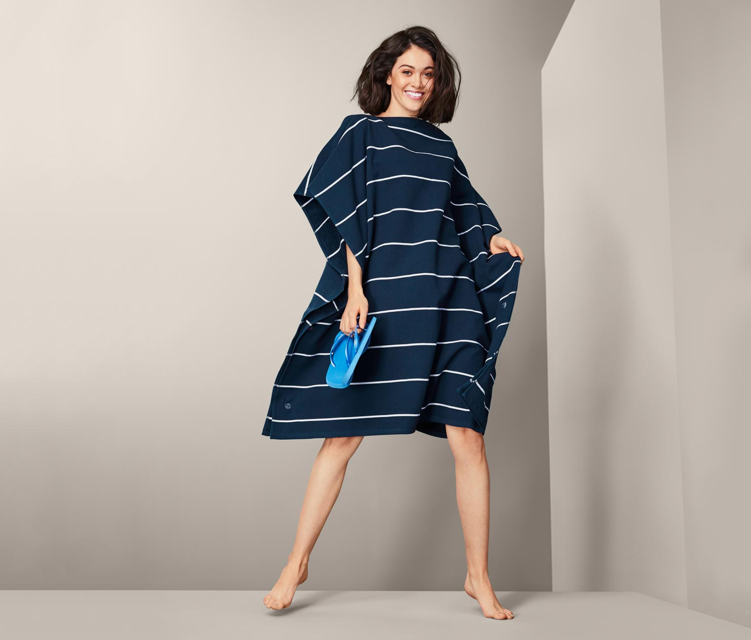 Image of 2-in-1-XL-Badetuch-Poncho