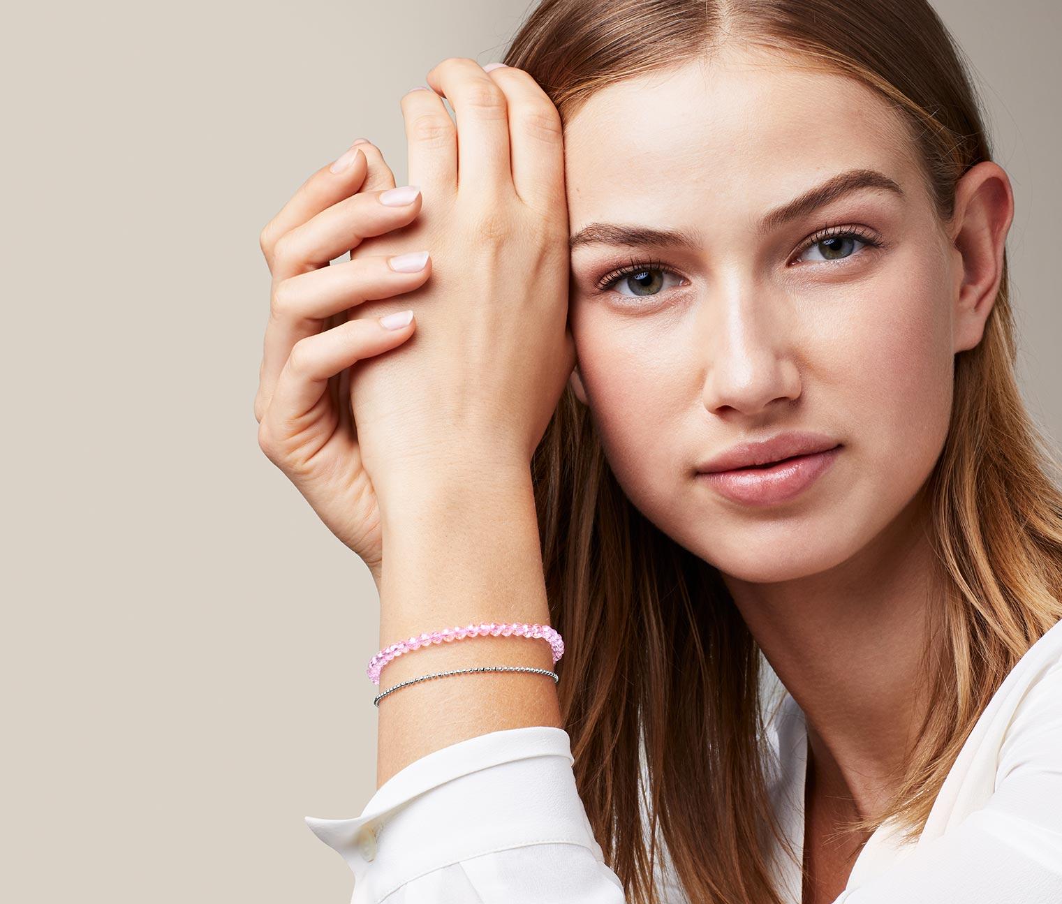 Image of Armband mit facettierten Glassteinen
